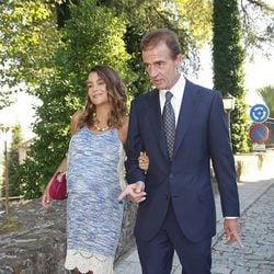 Alessandro Lequio y María Palacios en la boda de Álvaro Rojo y Ana Villarubia