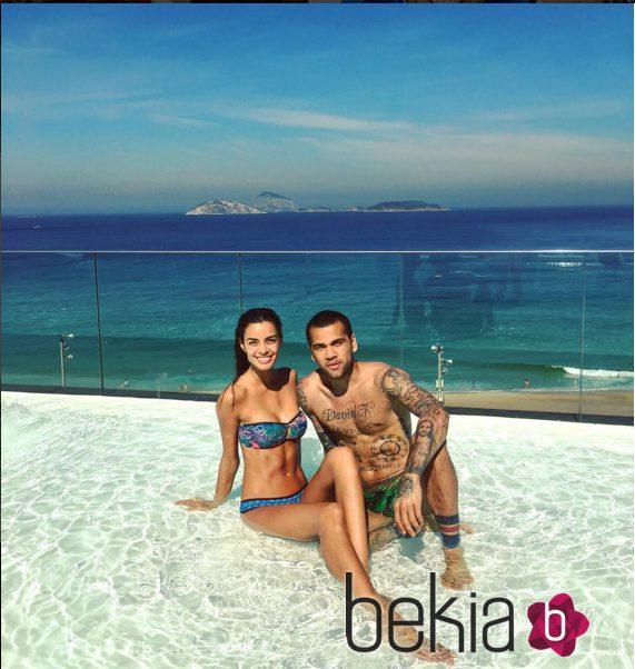 Dani Alves y Joana Sanz de vacaciones en Río de Janeiro