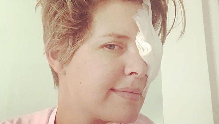 Tania Llasera con un parche en el ojo en su 37 cumpleaños