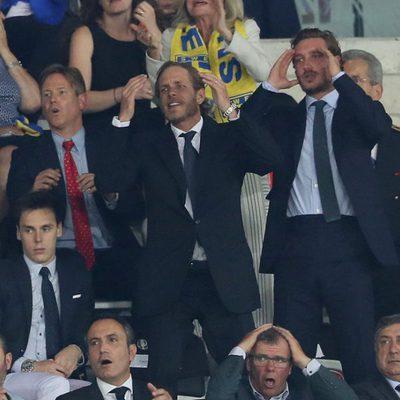Louis Ducruet con Andrea y Pierre Casiraghi en un partido de fútbol