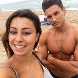 Cristina y Víctor Enguídanos en la playa
