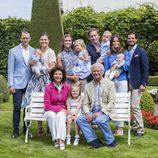La Familia Real Sueca al completo posa en Solliden
