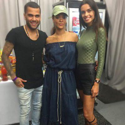 Dani Alves y Joana Sanz con Rihanna en Barcelona