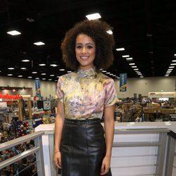 Nathalie Emmanuel en la firma de 'Juego de Tronos' durante la Comic-Con 2016