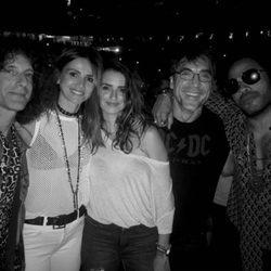Javier Bardem, Penélope Cruz y Goya Toledo en el concierto de Lenny Kravitz en Nueva York