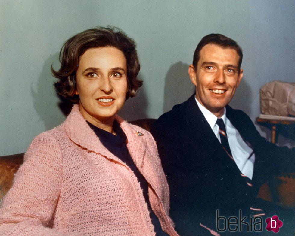 La Infanta Pilar y Luis Gómez-Acebo