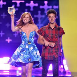 Cameron Dallas y Bella Thorne
