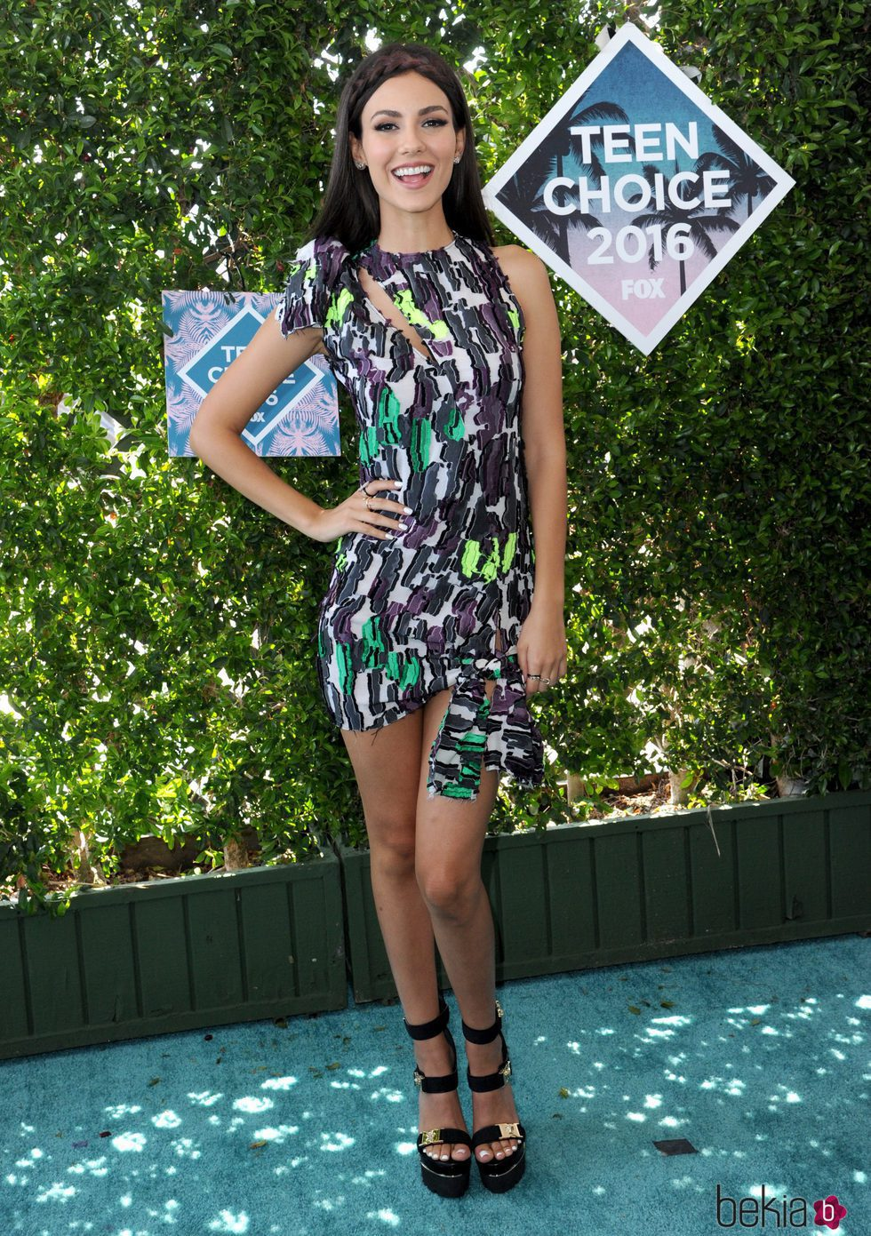 Victoria Justice en los Teen Choice Awards 2016