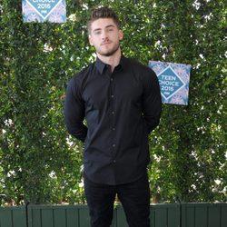 Cody Christian en los Teen Choice Awards 2016