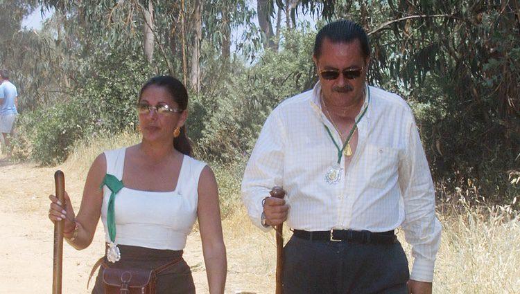 Isabel Pantoja y Julián Muñoz el día de la confirmación  de su romance en El Rocío