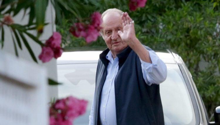 El Rey Juan Carlso asistiendo al cumpleaños de su hermana la Infanta Pilar en Mallorca
