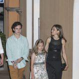 Froilán, la Infanta Sofía y la Reina Letizia de cena en Mallorca