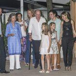 La familia Real casi al completo de cena por Mallorca