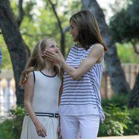 La Reina Letizia se divierte con la Princesa Leonor