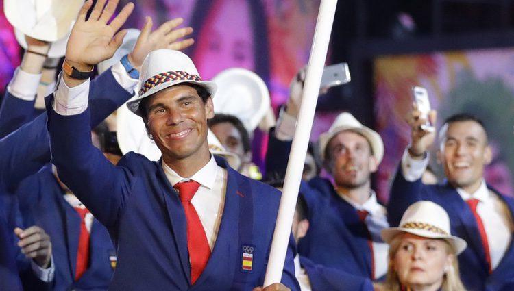 Rafa Nadal con la bandera de España en la ceremonia de inauguración de los Juegos Olímpicos de Río 2016
