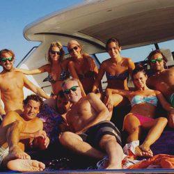 Amaia Salamanca con amigos de vacaciones
