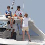 Pablo Urdangarín, Victoria Federica y la Infanta Elena navegando en Palma de Mallorca