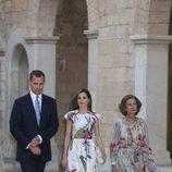 Los Reyes Felipe y Letizia y la Reina Sofía en la recepción a las autoridades de Mallorca