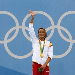 Mireia Belmonte con la medalla de oro de los 200 metros mariposa en Rio 2016