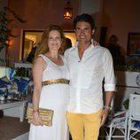Olivia de Borbón y Julián Porras en su fiesta celebrada en Marbella