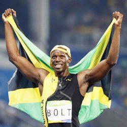 Usain Bolt tras ganar una nueva medalla olímpica de oro en Río 2016