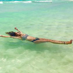 Anabel Pantoja en el mar