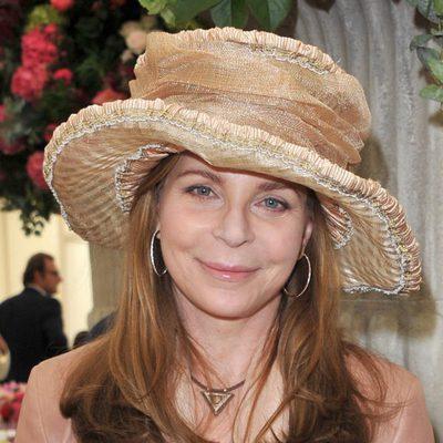 Noor de Jordania con sombrero