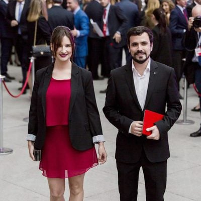Aberto Garzón y Anna Ruiz en una cena de 'El País'