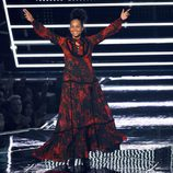 Alicia Keys, sin maquillar, entregando un premio en los VMA's 2016