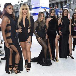 El grupo Fifth Harmony en la gala de los MTV VMA's 2016