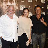 Imanol Uribe, Elena Anaya y Eduard Fernández en el estreno de 'Lejos del mar'