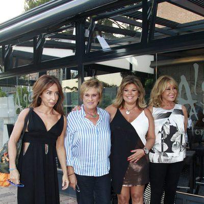 Terelu Campos celebra su 51 cumpleaños con María Patiño, Chelo García Cortés y Mila Ximénez