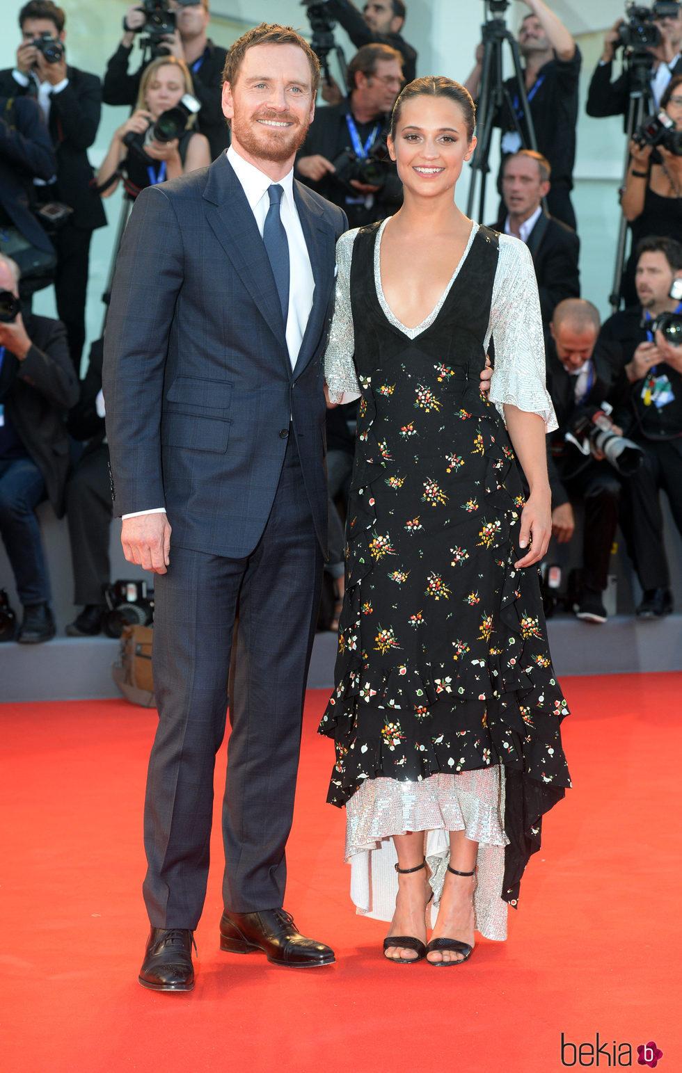 Alicia Vikander y Michael Fassbender en la premiere de 'Between Oceans'