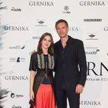María Valverde junto a James D'Arcy en el estreno de 'Gernika'