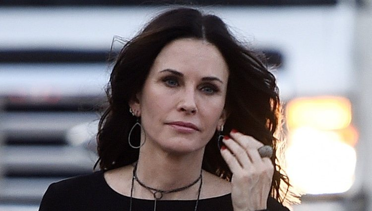 Courteney Cox llegando a 'The Champions of Our Planet's Future'
