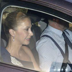Carmen Janeiro llegando a la boda de Rocío Carrasco y Fidel Albiac