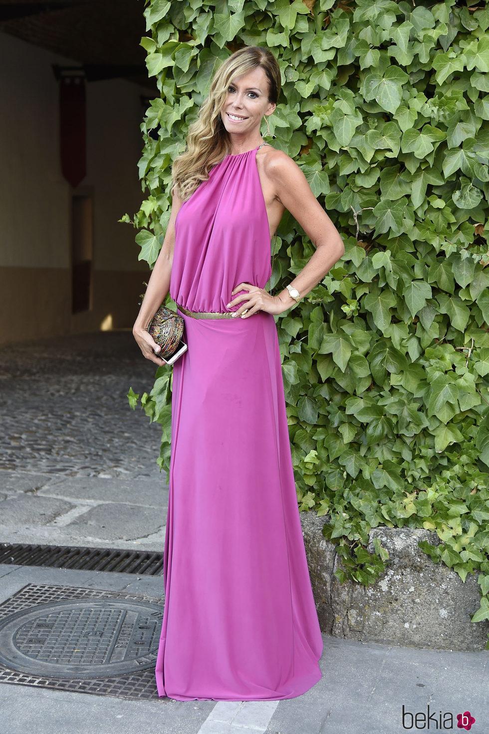 Lara Dibildos en la boda de Rocío Carrascto y Fidel Albiac