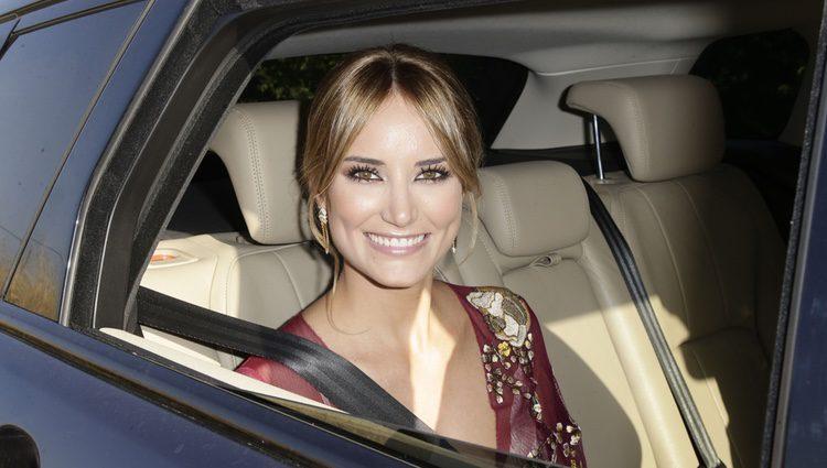 Alba Carrillo llegando a la boda de Rocío Carrasco y Fidel Albiac