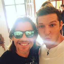 Manu Tenorio y Javián en la grabación del reencuentro de 'Operación Triunfo'