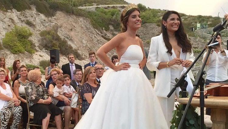 Dulceida y Alba muy sonrientes en su boda