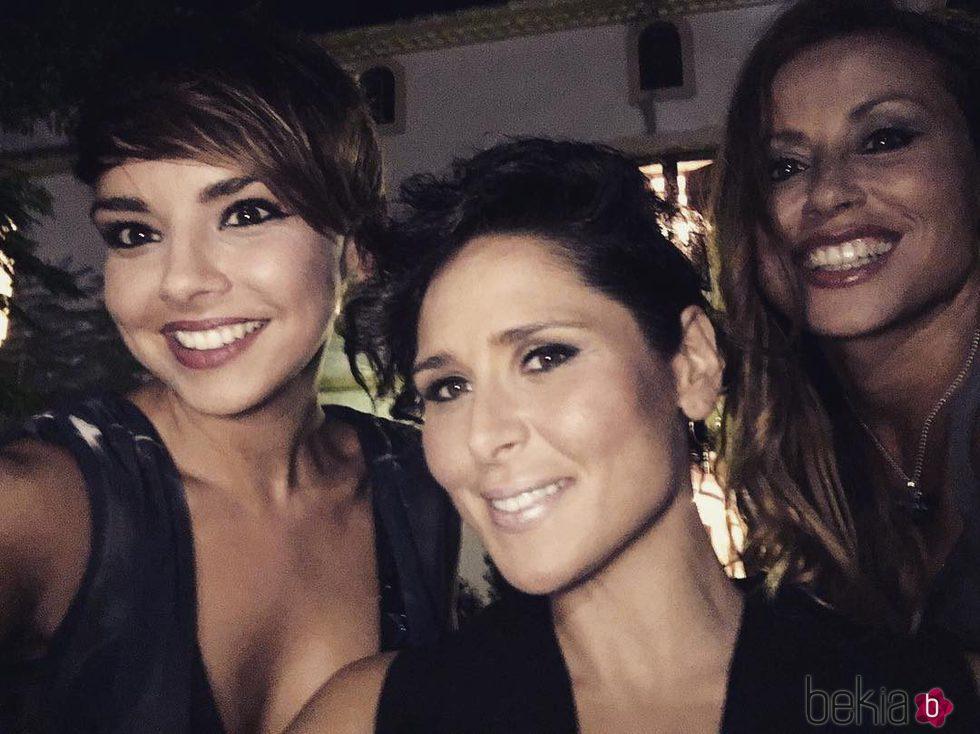 Chenoa, Rosa López y Verónica Romero grabando el reencuentro de 'Operación Triunfo'