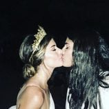 Dulceida y Alba se funden en un beso tras su boda