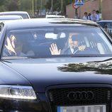 Los Reyes Felipe y Letizia llevan a sus hijas al primer día del nuevo curso