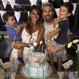 Mateo Messi celebrando su primer cumpleaños con Leo Messi, Antonella Roccuzzo y Thiago Messi
