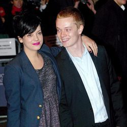 Lily y Alfie Allen en el The Times BFI London Film Festival en 2007