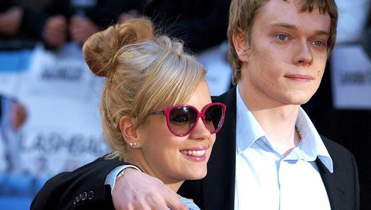 Alfie y Lily Allen en la premiere de 'Flashbacks of a fool' en Londres
