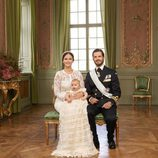 Alejandro de Suecia con sus padres en su bautizo