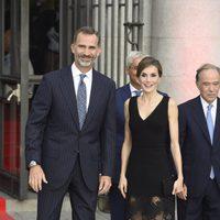 Los Reyes Felipe y Letizia en el estreno de la temporada de ópera del Teatro Real 2016