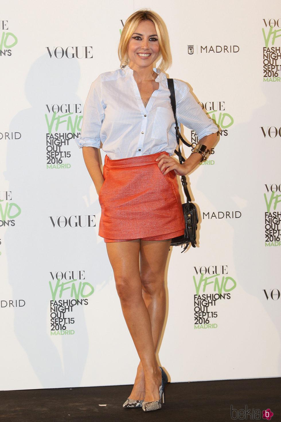 Berta Collado en el photocall de Vogue's Fashion Night Out 2016