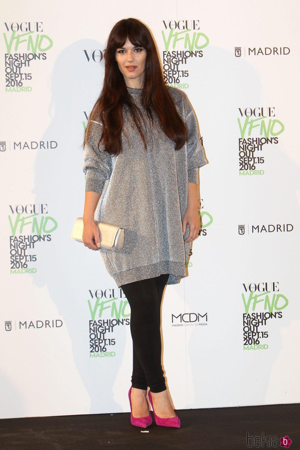 Sara Vega en el photocall de Vogue's Fashion Night Out 2016